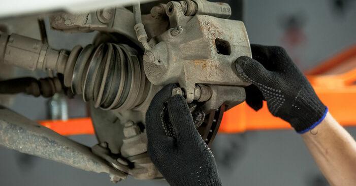 Wechseln Sie Bremsbeläge beim Nissan X Trail t30 2011 2.2 dCi 4x4 selber aus