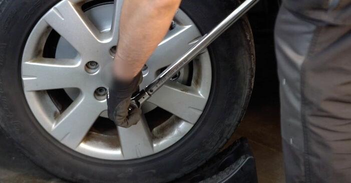 Nissan X Trail t30 2.2 Di 4x4 2003 Bremsbeläge austauschen: Unentgeltliche Reparatur-Tutorials