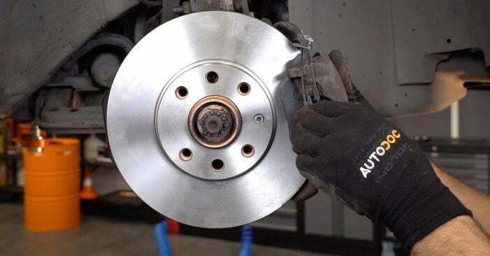 Cik grūti ir veikt Bremžu diski nomaiņu Opel Astra g f48 2.0 DI (F08, F48) 2004 - lejupielādējiet ilustrētu ceļvedi