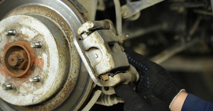 X-TRAIL (T30) 2.2 dCi 2012 2.2 Di 4x4 Bremsscheiben - Handbuch zum Wechsel und der Reparatur eigenständig