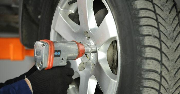 Podrobné odporúčania pre svojpomocnú výmenu Nissan X Trail t30 2001 2.2 dCi Horné Uloženie Tlmiča
