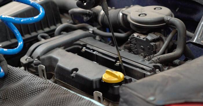 Wie schwer ist es, selbst zu reparieren: Zündkerzen Opel Astra g f48 2.0 DI (F08, F48) 2004 Tausch - Downloaden Sie sich illustrierte Anleitungen