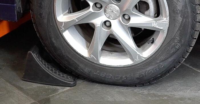 Ako vymeniť Rameno Zavesenia Kolies na Nissan X Trail t30 2001 – bezplatné PDF a video návody.