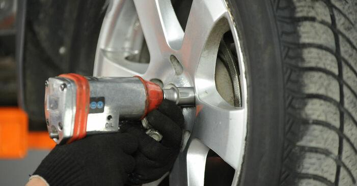 Nissan X Trail t30 2.2 Di 4x4 2003 Rameno Zavesenia Kolies výmena: bezplatné návody z našej dielne