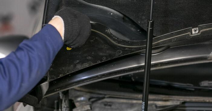 Wie schwer ist es, selbst zu reparieren: Domlager Passat 3c 1.4 TSI EcoFuel 2005 Tausch - Downloaden Sie sich illustrierte Anleitungen