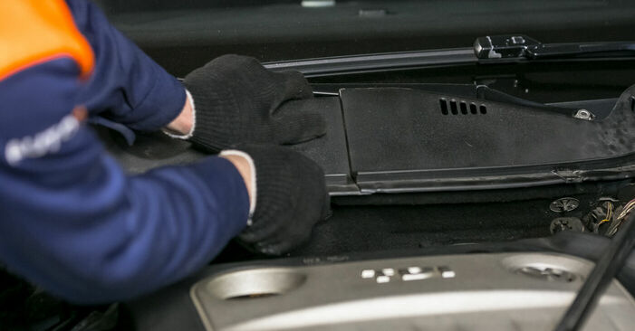 Domlager am VW PASSAT Variant (3C5) 2.0 TDI 16V 4motion 2010 wechseln – Laden Sie sich PDF-Handbücher und Videoanleitungen herunter