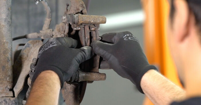 Tauschen Sie Bremssattel beim AUDI A3 Schrägheck (8L1) S3 1.8 quattro 1999 selbst aus