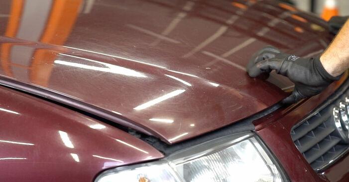 Tauschen Sie Bremssattel beim Audi A3 8l1 1998 1.9 TDI selber aus