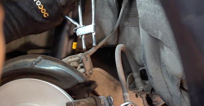 Byt VW GOLF 1.9 TDI Bromsok: guider och videoinstruktioner online