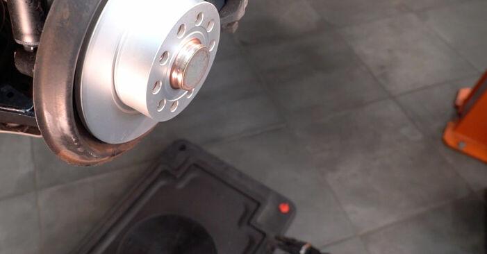 VW GOLF 2008 Bromsok utbytesmanual att följa steg för steg