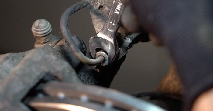 Replacing Brake Calipers on Passat 3b5 2000 1.9 TDI by yourself