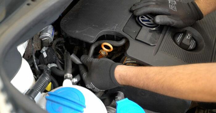 Schritt-für-Schritt-Anleitung zum selbstständigen Wechsel von VW Caddy 3 Kombi 2005 2.0 TDI 16V Luftfilter