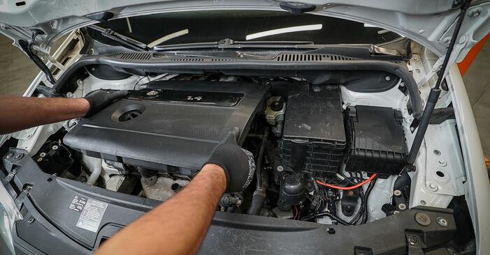 Luftfilter VW Caddy 3 Kombi 2.0 EcoFuel 2006 wechseln: Kostenlose Reparaturhandbücher