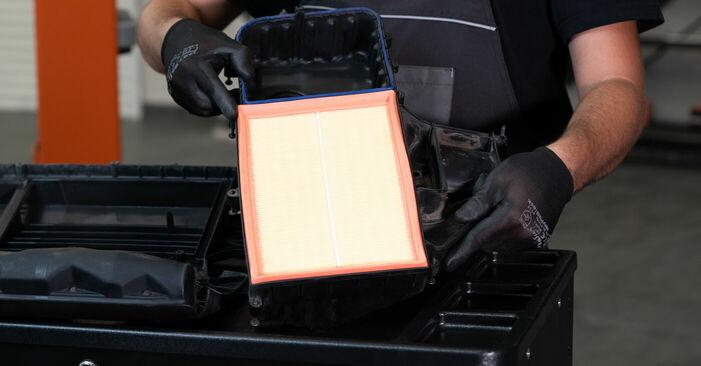 Luftfilter Ihres VW Caddy 3 Kombi 1.9 TDI 2012 selbst Wechsel - Gratis Tutorial