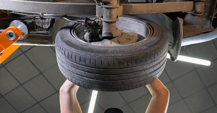 Tausch Tutorial Bremssattel am VW CADDY III Estate (2KB, 2KJ, 2CB, 2CJ) 2004 wechselt - Tipps und Tricks