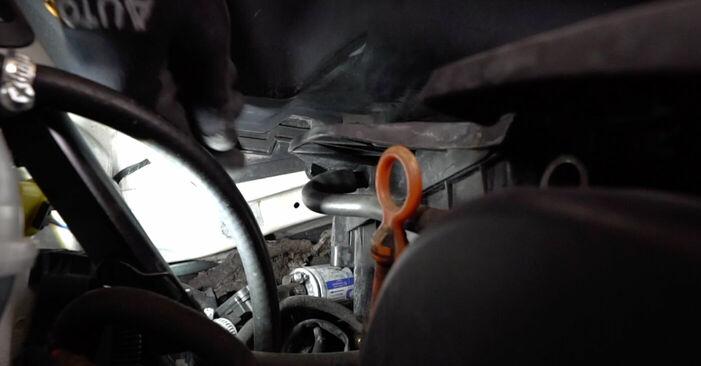 Zündkerzen VW Caddy 3 Kombi 2.0 EcoFuel 2006 wechseln: Kostenlose Reparaturhandbücher