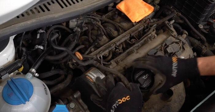 Zündkerzen am VW CADDY III Estate (2KB, 2KJ, 2CB, 2CJ) 2.0 TDI 2009 wechseln – Laden Sie sich PDF-Handbücher und Videoanleitungen herunter