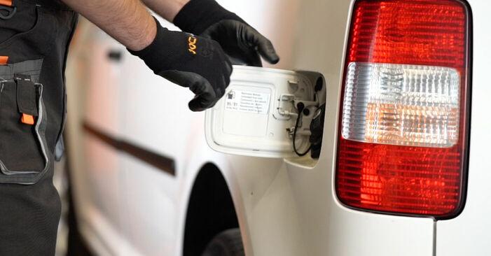 Kā nomainīt Degvielas filtrs VW Caddy 3 Universālis 2004 - bezmaksas PDF un video rokasgrāmatas
