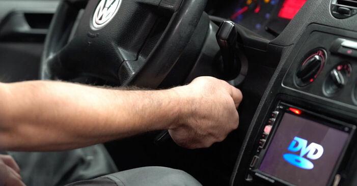 Pakāpeniski ieteikumi patstāvīgai VW Caddy 3 Universālis 2005 2.0 TDI 16V Degvielas filtrs nomaiņai