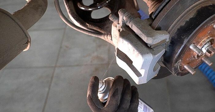 TOYOTA RAV4 2012 Bromsskivor utbytesmanual att följa steg för steg