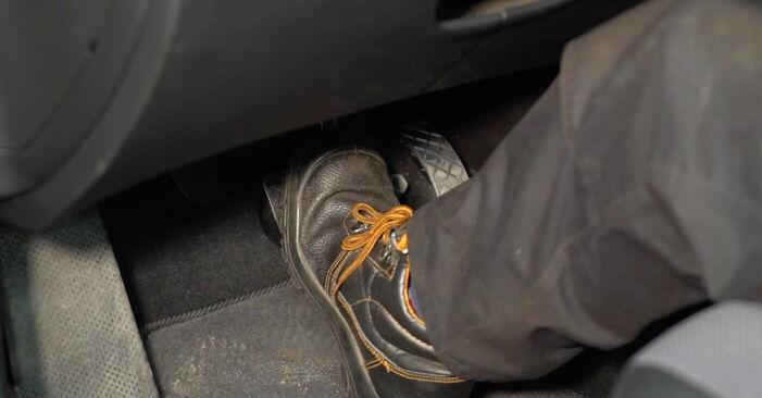 Manualul de atelier pentru înlocuirea de sine stătătoare Golf IV Hatchback (1J1) 1.8 T 1999 Etrier frana