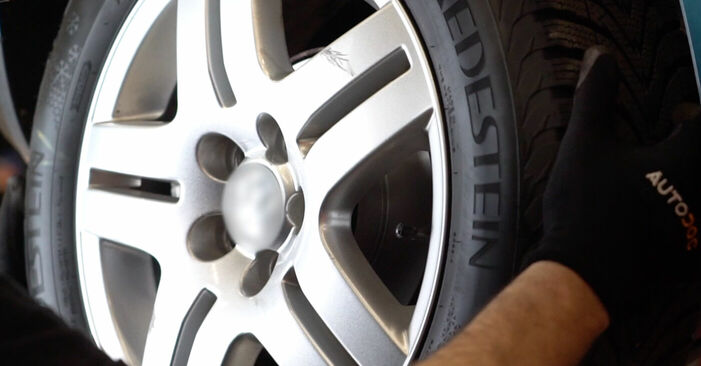 Schimbați Etrier frana la VW Golf IV Hatchback (1J1) 1.9 TDI 2000 de unul singur