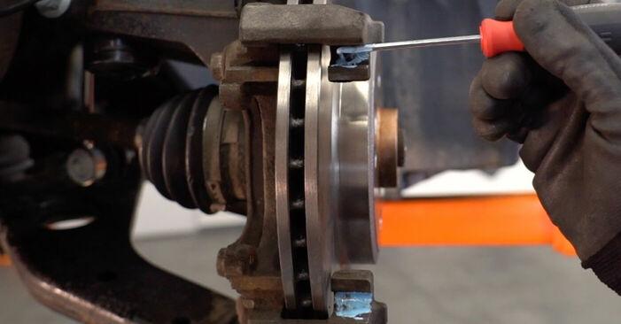 Πώς να αντικαταστήσετε MINI MINI (R50, R53) 1.6 Cooper 2002 Τακάκια Φρένων - εγχειρίδια βήμα προς βήμα και οδηγοί βίντεο