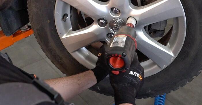Смяна на TOYOTA RAV4 2.2 D 4WD (ALA30_) Накрайник на напречна кормилна щанга: онлайн ръководства и видео уроци