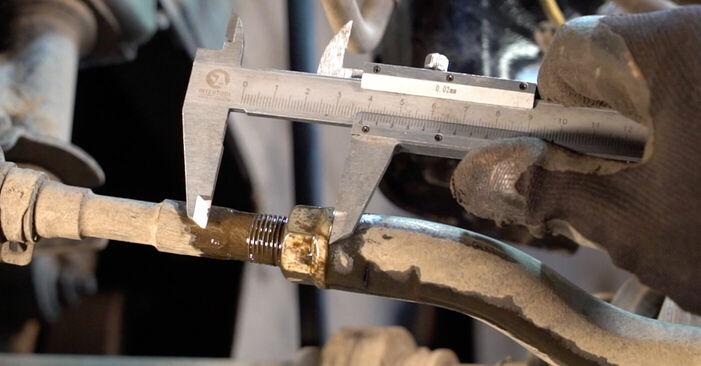 Не е трудно да го направим сами: смяна на Накрайник на напречна кормилна щанга на Toyota RAV4 III 2.0 4WD 2011 - свали илюстрирано ръководство