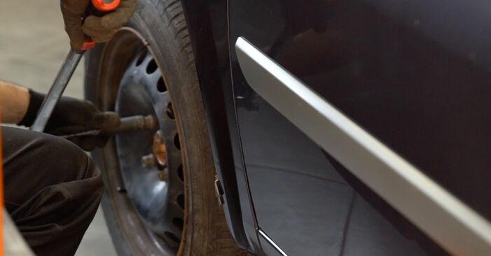 Remplacer Bras de Suspension sur RENAULT MEGANE II Saloon (LM0/1_) 2011 1.6 par vous-même