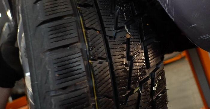 Wie schwer ist es, selbst zu reparieren: Keilrippenriemen Renault Scenic 2 1.9 dCi 2009 Tausch - Downloaden Sie sich illustrierte Anleitungen