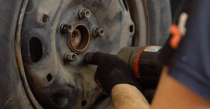 VW POLO 1.2 Bremsscheiben ausbauen: Anweisungen und Video-Tutorials online