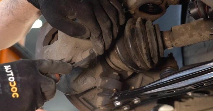 Wie schwer ist es, selbst zu reparieren: Bremsscheiben Polo 9n 1.4 16V 2007 Tausch - Downloaden Sie sich illustrierte Anleitungen