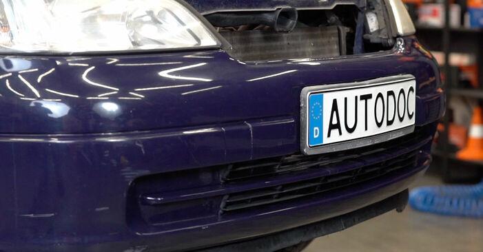 Смяна на Окачване на двигателя на Opel Astra g f48 2008 1.6 16V (F08, F48) самостоятелно