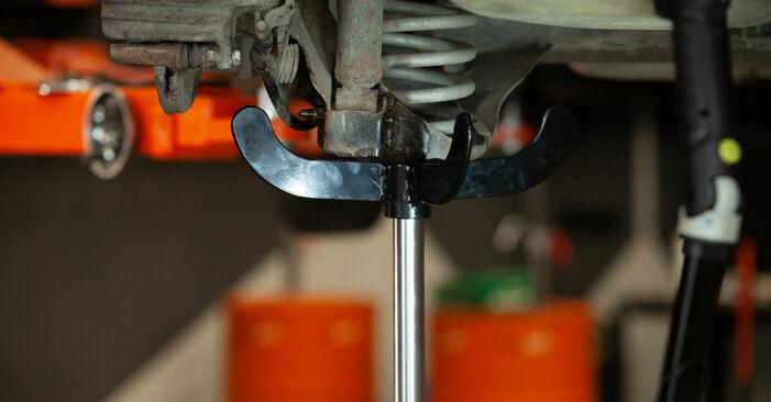 Wie schmierig ist es, selber zu reparieren: Federn beim Audi A3 8l1 1.9 TDI 2002 wechseln – Downloaden Sie sich Bildanleitungen