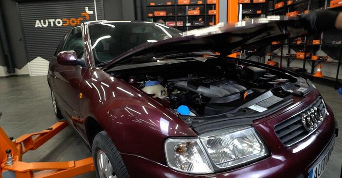 Wie man Luftfilter beim Audi A3 8l1 1996 wechselt - Gratis PDF- und Video-Tutorials