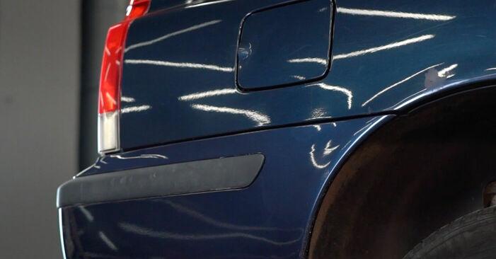 Kā nomainīt Degvielas filtrs Volvo V70 SW 1999 - bezmaksas PDF un video rokasgrāmatas