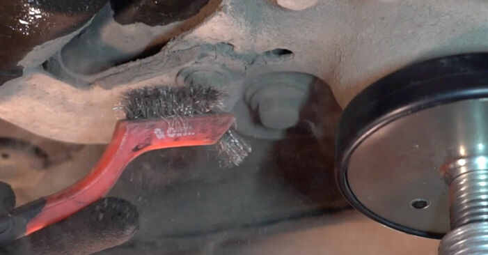 Wechseln Kraftstofffilter am VOLVO V70 II (SW) 2.5 T 2002 selber