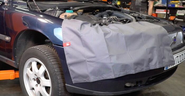 Koppelstange Volvo V70 SW 2.4 T 2001 wechseln: Kostenlose Reparaturhandbücher