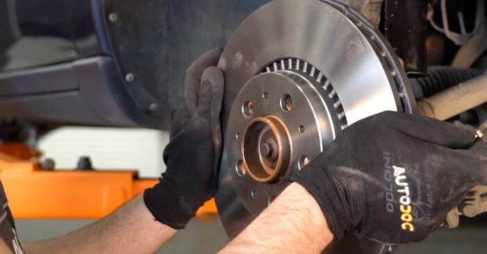 Wie VOLVO V70 2.3 T5 2003 Bremsscheiben ausbauen - Einfach zu verstehende Anleitungen online