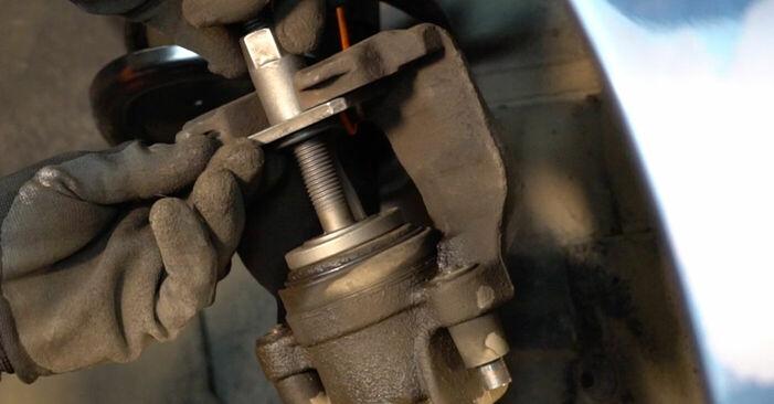Austauschen Anleitung Bremsscheiben am Volvo V70 SW 1999 2.4 selbst