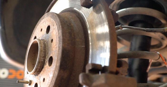 V70 II (SW) 2.3 T5 2000 Bremžu diski patstāvīgas nomaiņas remonta rokasgrāmata