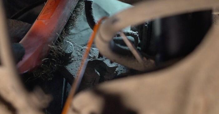 Tausch Tutorial Bremsscheiben am VOLVO V70 II (SW) 2001 wechselt - Tipps und Tricks