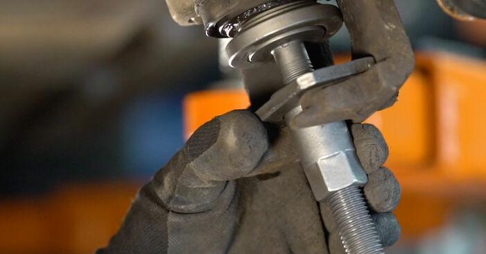 Zweckdienliche Tipps zum Austausch von Bremsbeläge beim VOLVO V70 II (SW) 2.4 T 2003