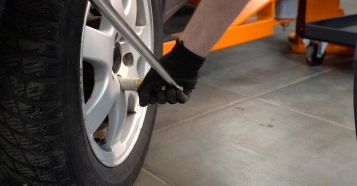 Bremsbeläge Volvo V70 SW 2.4 T 2001 wechseln: Kostenlose Reparaturhandbücher