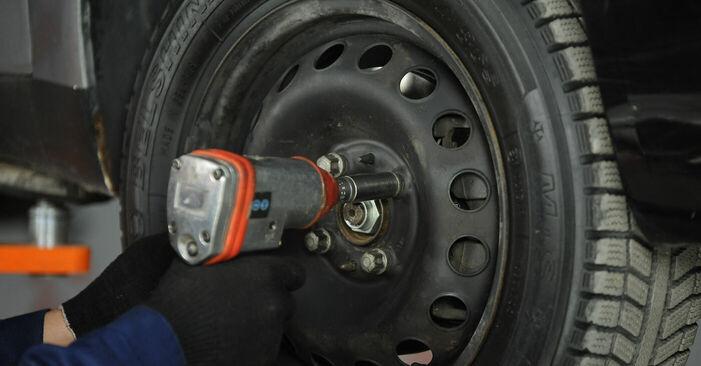 Смяна на FIAT PUNTO 1.9 DS 60 Тампон Макферсон: онлайн ръководства и видео уроци