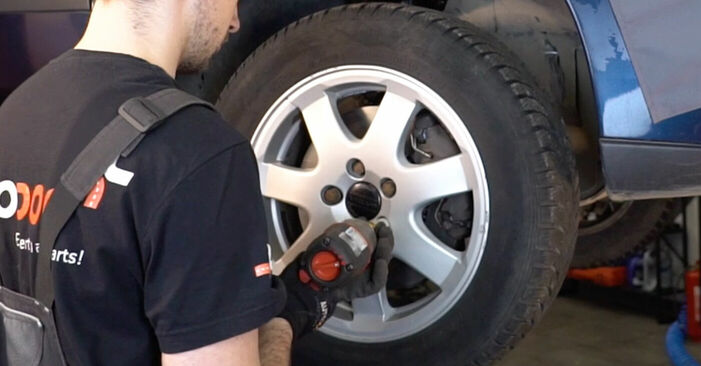 Wie schwer ist es, selbst zu reparieren: Spurstangenkopf Volvo V70 SW 2.4 D 2005 Tausch - Downloaden Sie sich illustrierte Anleitungen