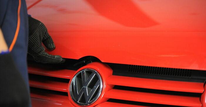 Så tar du bort VW GOLF 1.8 T 2001 Fjäderbenslagring – instruktioner som är enkla att följa online