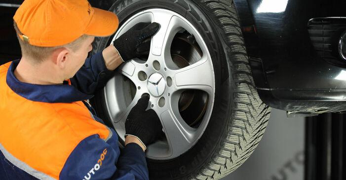 Spurstangenkopf Mercedes W169 A 170 1.7 (169.032, 169.332) 2006 wechseln: Kostenlose Reparaturhandbücher
