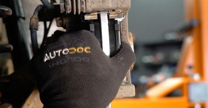 Bremsscheiben beim MERCEDES-BENZ A-CLASS A 180 1.7 (169.032, 169.332) 2011 selber erneuern - DIY-Manual
